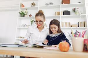 Estudiar en casa. Blog. la importancia de tener un espacio para estudiar en casa con tus hijos